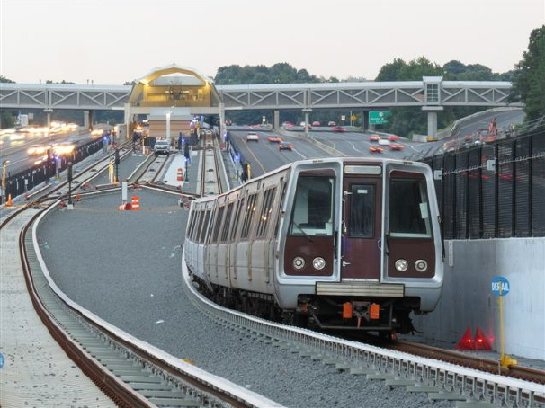 Metro-test-train-near-Wiehle-Reston
